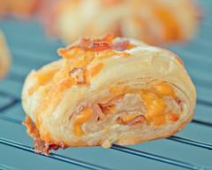 Cheddar Cheese Bacon Bits and Garlic Roll