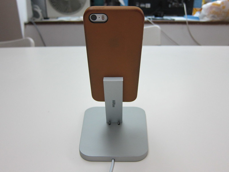 Twelve South HiRise for iPhone 5 & iPad Mini - With iPhone 5s (Back)