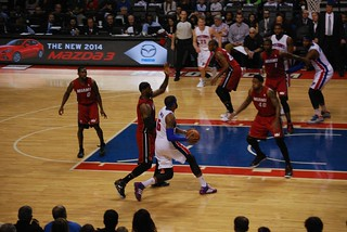 Josh Smith drives on Lebron James