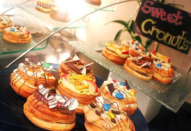 Sweet Cronuts at Oakwood