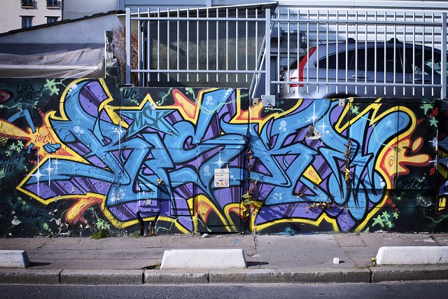 Graffiti - Courbevoie (0704)