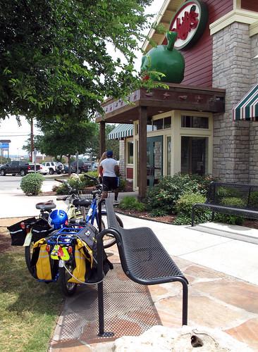 Chili's Lunch time bike break