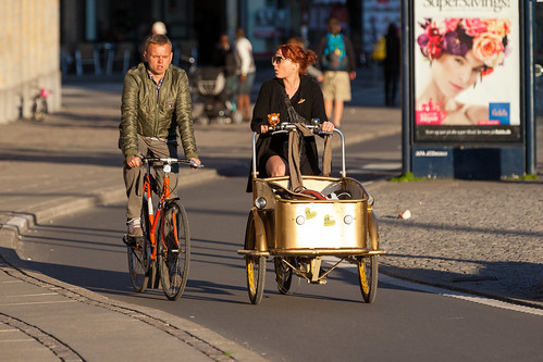 street sunset people fashion bike bicycle copenhagen denmark cycling cyclist bicicleta cycle biking bici 自行车 velo fahrrad vélo sykkel fiets rower cykel 自転車 accessorize copenhague サイクリング デンマーク サイクル мода велосипед 哥本哈根 コペンハーゲン 脚踏车 biciclettes 丹麦 cyclechic cycleculture الدراجة дания копенгаген copenhagencyclechic hccity 骑自行车 copenhagenize bikehaven copenhagenbikehaven velofashion copenhagencycleculture 的自行车