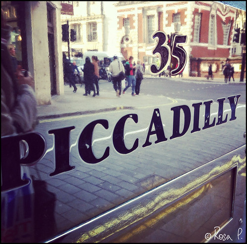 UK - Piccadilly sign