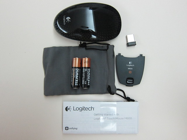 Logitech Touch Mouse M600 - Box Contents