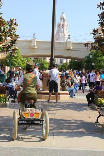 Buena Vista Street streetmosphere