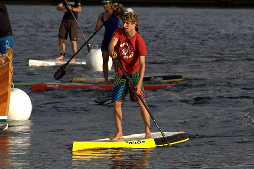 Démonstration de stand up paddle