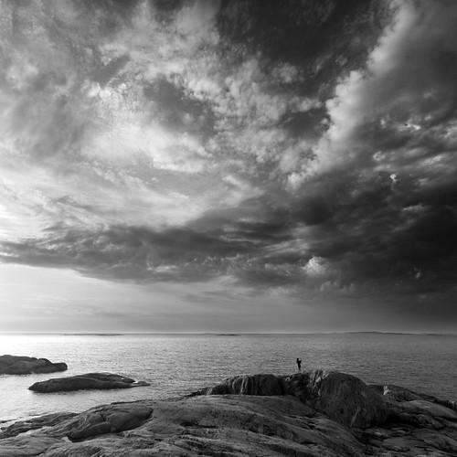 ocean white black water clouds göteborg island sweden gothenburg cliffs sverige hdr archipelago skärgård sigma1020mmf456exdchsm stgi canoneos7d