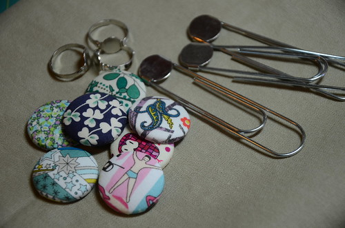 Liberty Scrap challenge - jewelry with covered buttons!