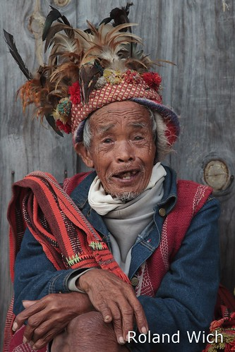 old man up point view philippines decoration banaue viewpoint batad dressed filipinas ifugao decorated philippinen