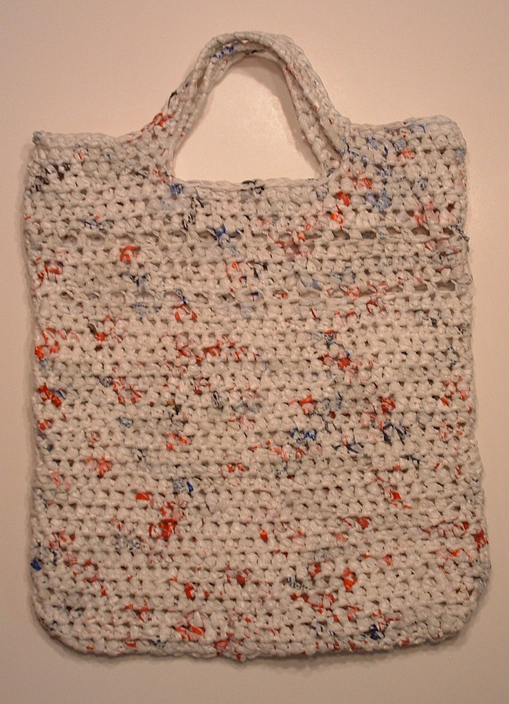 Crochet Plarn Tote Bag Pattern : Double Picket Stitch Plarn Tote My Recycled Bags.com