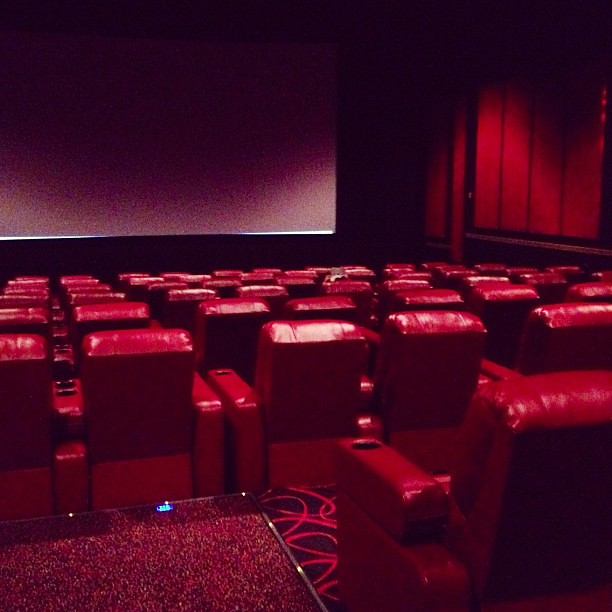 Phenomenal The New Reclining Seats At This Amc Theater Are Amazing Pabps2019 Chair Design Images Pabps2019Com
