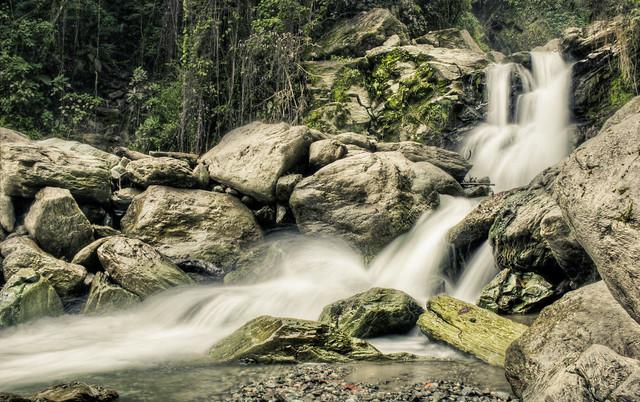 Imagen de unas Cascadas en el Rió Verde de Córdoba, Quindio