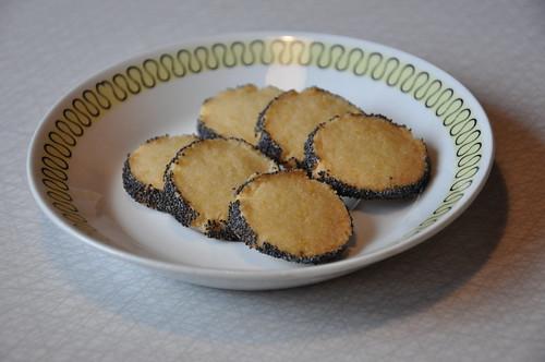 Citronkakor med blått vallmofrö