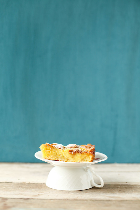 apple cardamom cake