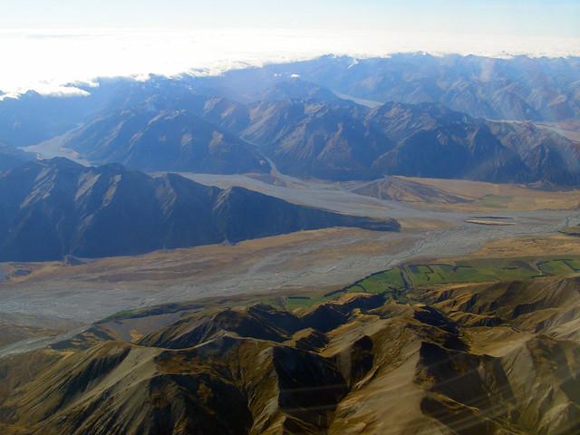 飞抵基督城前遇见的山脉