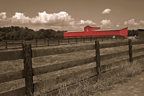 red summer barn fence landscape farm sony va dcist alpha herndon hss fryingpanpark nex hcs selectivecoloring blinkagain flipmode79 blinkagin nex5n