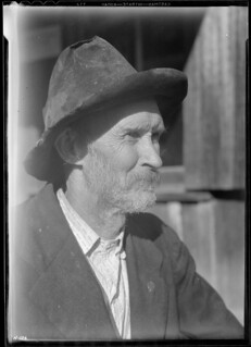 J. C. Nicely, P. O. at Goin, Tennessee. He is 70 years old, was born and reared in Union County, Tennessee. He is of English ancestry, via Virgina to Tennessee, November 1933