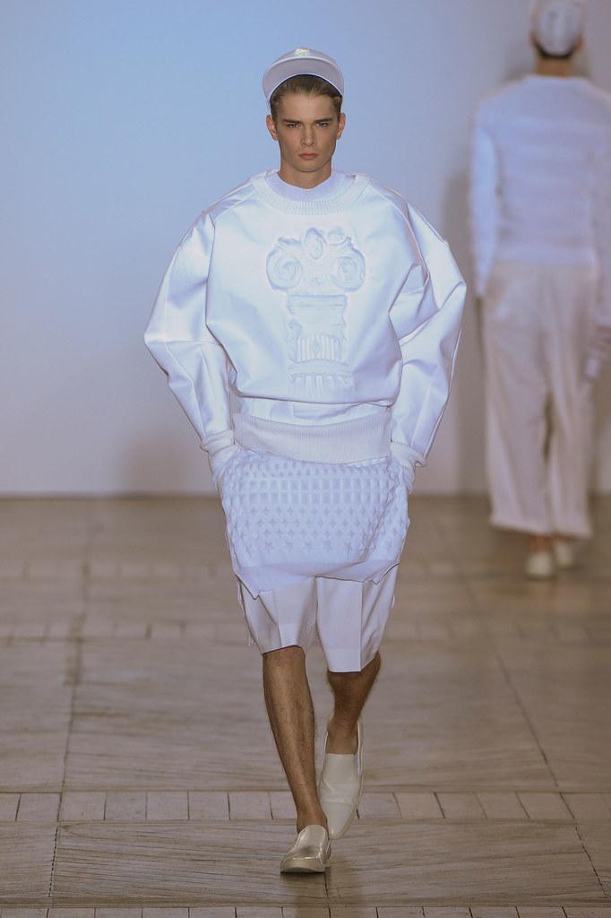 SS13 Paris Juun J.032_Frederik Tolke(fashionising.com)