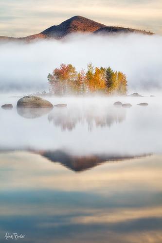 lake reflection fall newengland vermontgreenmountians