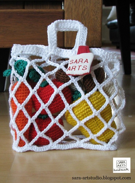 Crochet Shopping Bag with Vegetables