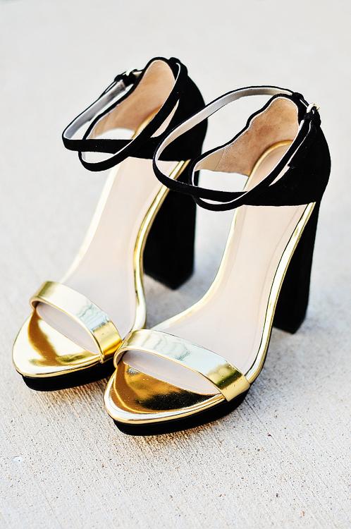 acupofmaiblackandgoldshoes-5