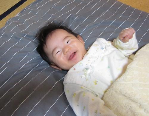 よく笑う孫娘 2012年8月13日 by Poran111