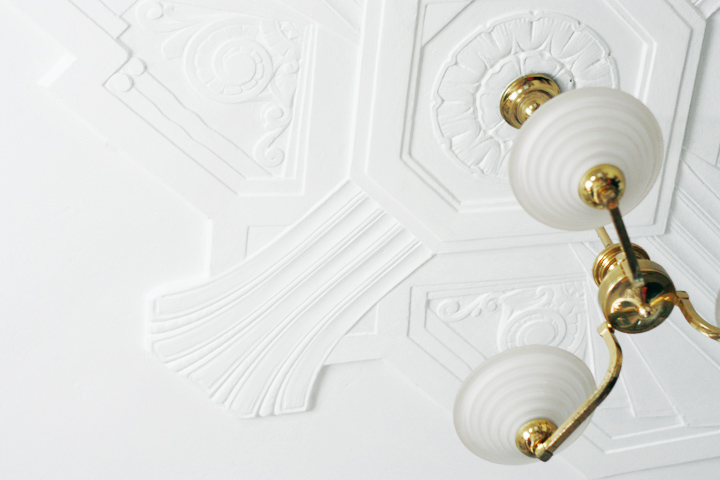 deco ceiling detail