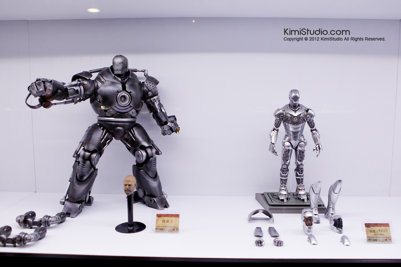 2011.11.12 HOT TOYS-099