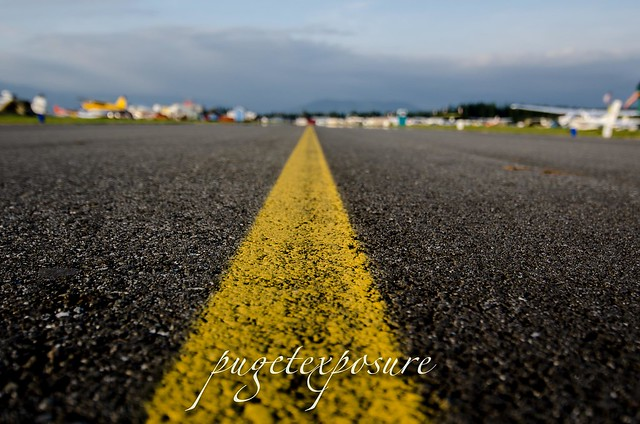 Leading Taxiway