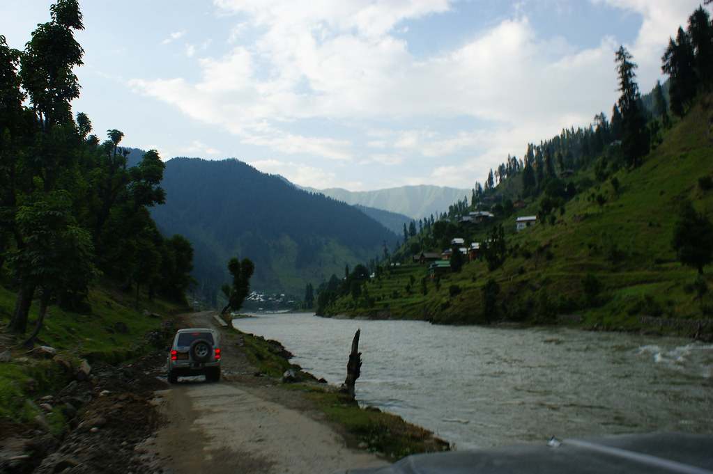 """MJC Summer 2012 Excursion to Neelum Valley with the great """"LIBRA"""" and Co - 7588299818 48b02b5eb0 b"""