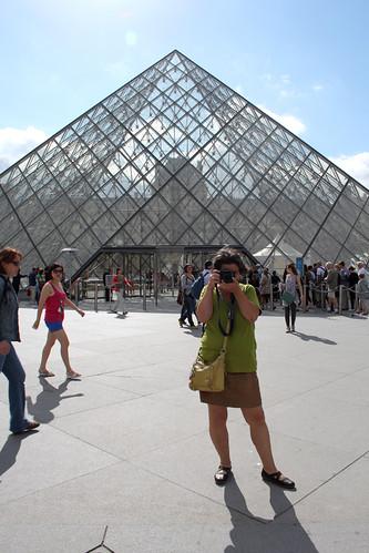 Pyramid Paparazzi