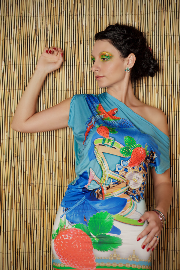 Фотосессия девушки в студии www.kseniabur.com