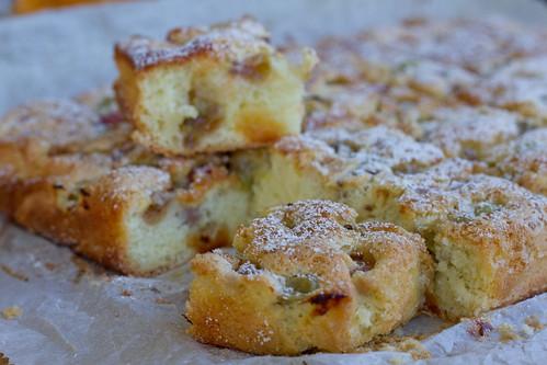 Gooseberry and marzipan cake / Tikrikook martsipaniga / Martsipani-karusmarjakook