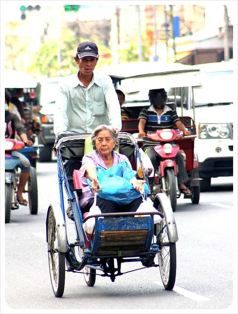 phnom penh cyclo taxi