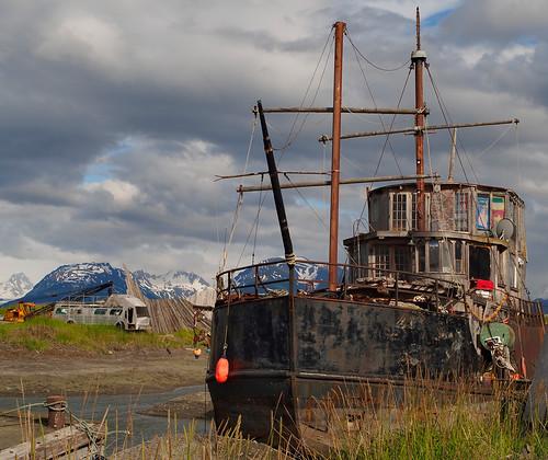 bus abandoned alaska boat ship houseboat spit olympus tokina homer konica f35 17mm homerspit