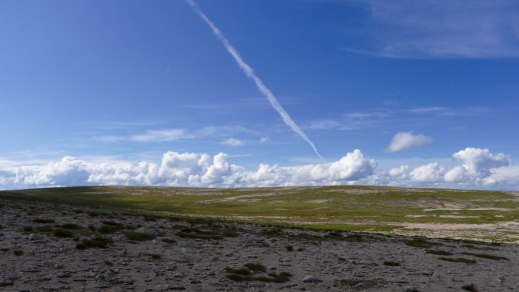 Blue skies over the Braeriach Plateau