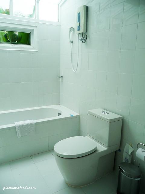 palm paradise resort krabi bathroom