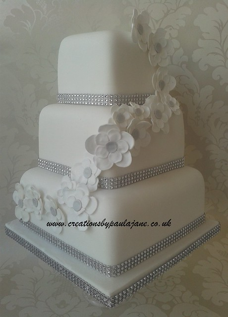 bling wedding cakes uk diagonal bling wedding cake www creationsbypaulajane co 11936