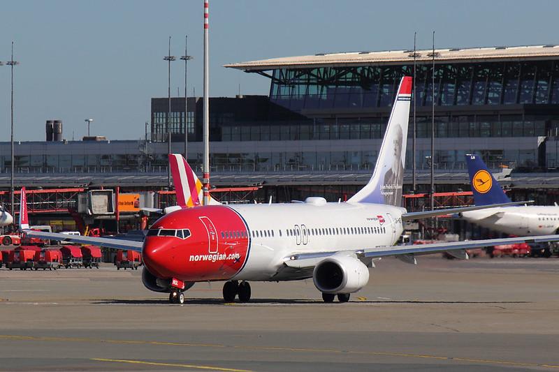Norwegian - B738 - LN-NGL (1)