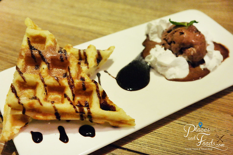 chill cafe macau waffles with ice cream