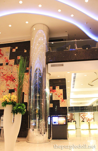Acacia Hotel Manila Lobby