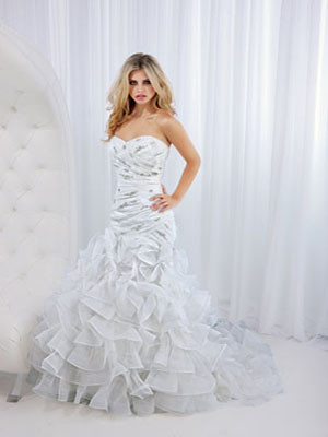 Stain Strapless Sweetheart Ball Gown Bridal Dress