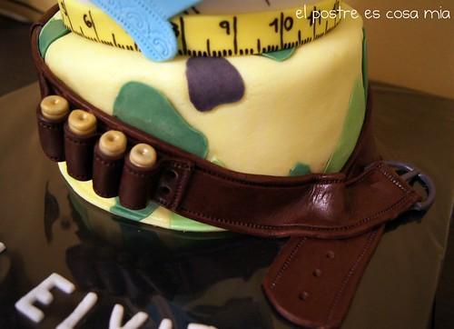 Tarta caza y costura -detalle cinturón-