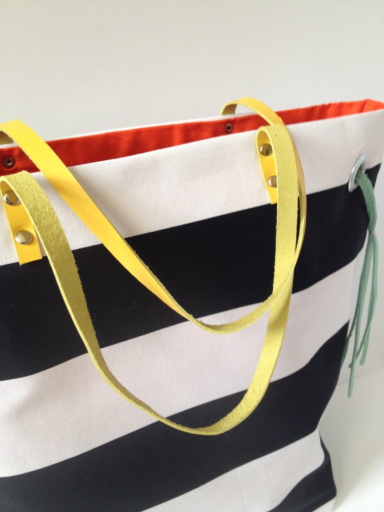 Stripe + Color Tote 17c