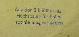 Stamp from the library of the  Hochschule für Philosophie München