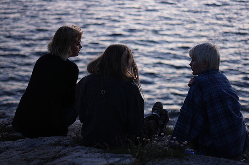 louise, bella och iris vid havet