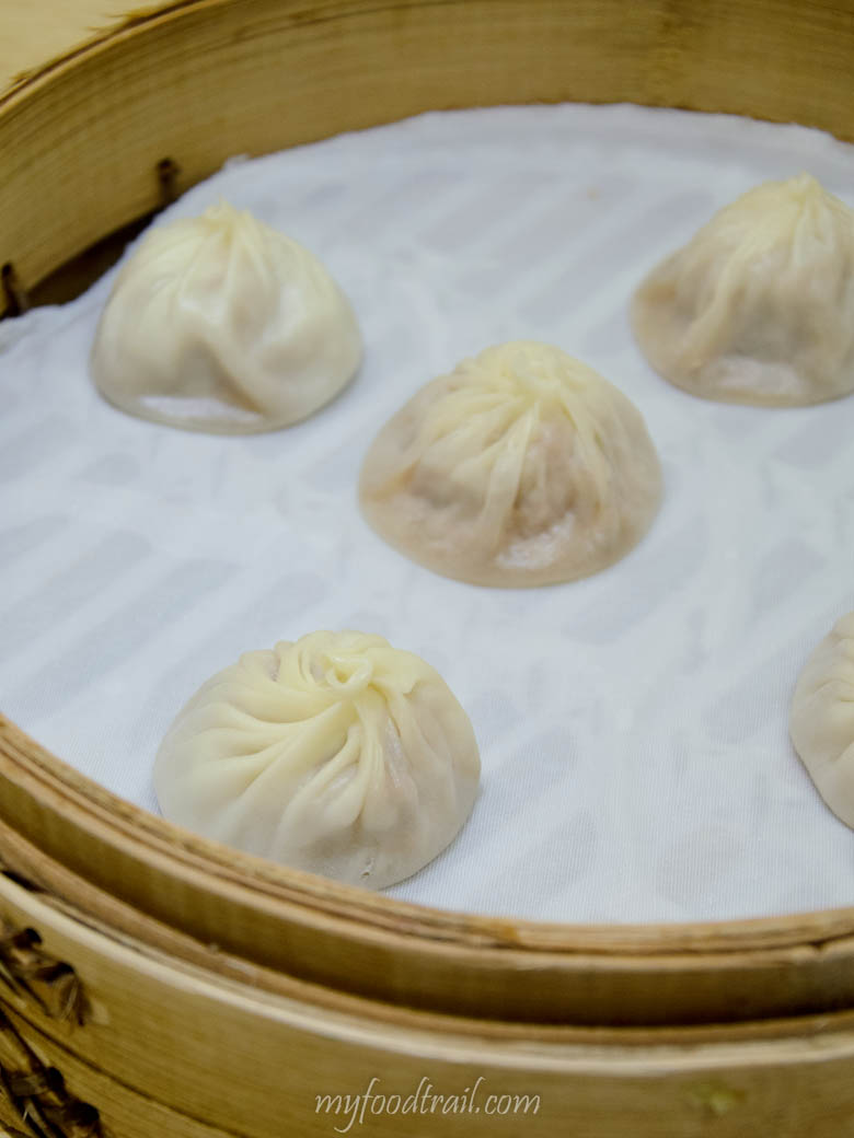 Din Tai Fung, Taiwan - Steamed pork dumplings (xiao long bao)