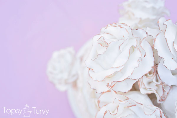 vintage-ruffled-wedding-cake-large-roses