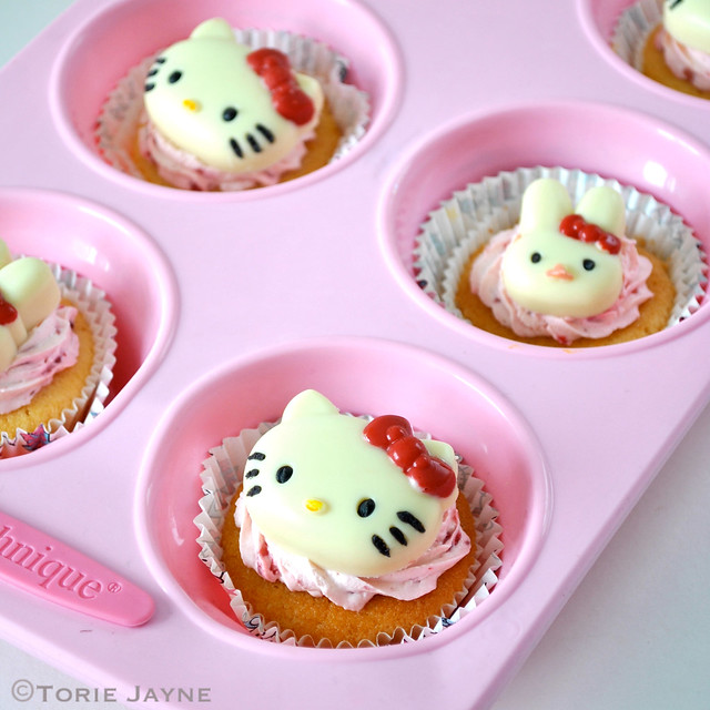 Hello Kitty cupcakes ready for delivery